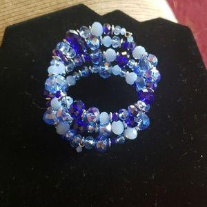 Jewelry - Gorgeous vintage blue wire wrap bracelet